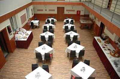 Breakfast room of Atlantic Hotel in the downtown of Budapest - Hotel Atlantic*** Budapest - cheap Atlantic Hotel Budapest in the city centre, in the VIII. district