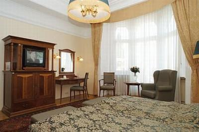 Hotel Gellert in Budapest with special price online room reservation near the inner-city - Gellért Hotel**** Budapest - spa thermal and wellness hotel Gellert Budapest, Hungary