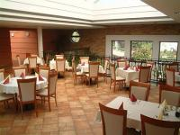 Restaurant Pipacs in Vecses - restaurant of Airport otel Stacio awaits its guest with Hungarian and international dishes