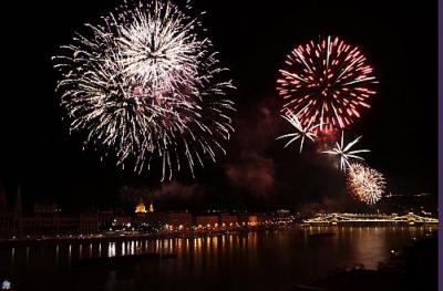 Fireworks in Budapest on 20 August - Novotel Budapest Danube with panoramic view to the Danube - Hotel Novotel Budapest Danube**** - Novotel Danube Budapest