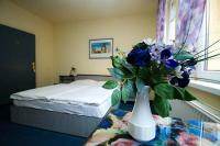 Romantic double room in Hotel Thomas at low prices for Formula 1